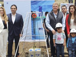 Enrique Vargas colocó la primera piedra del CRIS