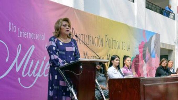 Vamos juntos con un esfuerzo para hacer un gobierno eficaz y eficiente, invitó Ruth Olvera Nieto