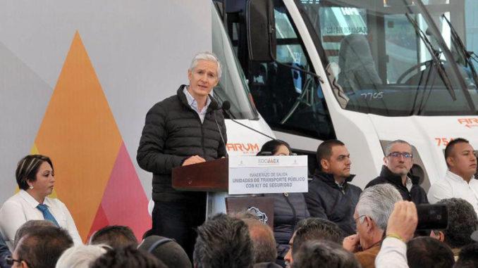 Destaca Gobernador que los 81 transportes, de tres empresas que comenzarán a operar en el Valle de México, tienen cámaras de vigilancia, botones de pánico y sistema GPS.
