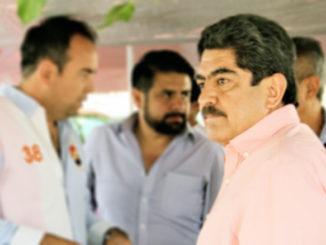 Autoridades de Naucalpan inspeccionaron el cumplimiento de la normatividad de los negocios.