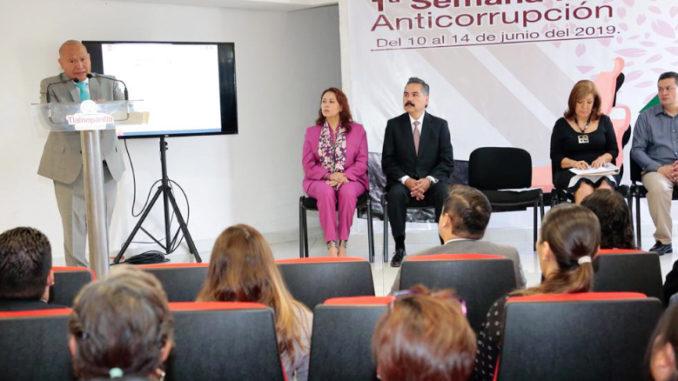 El presidente municipal de Tlalnepantla, Raciel Pérez Cruz, inauguró la Primera Semana Municipal Anticorrupción