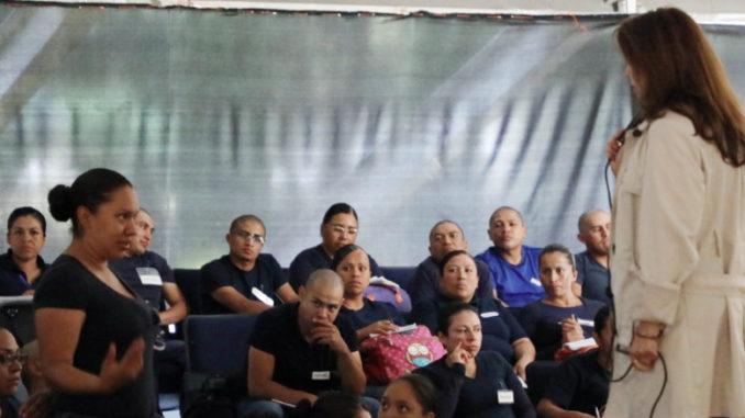 La idea es que los nuevos cadetes que están en formación conozcan el Bando Municipal, entre otros temas