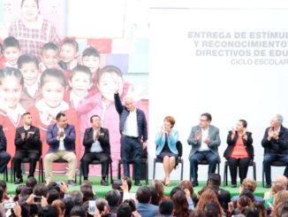 """""""Todos queremos una educación fuerte, que como sociedad nos impulse a salir adelante"""": Raciel Pérez Cruz"""