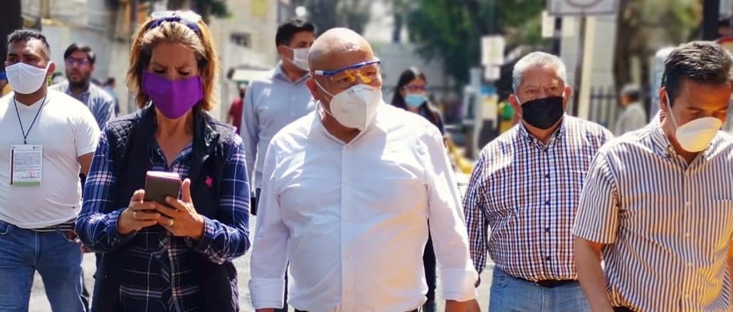 El presidente municipal, Raciel Pérez Cruz, encabeza los trabajos de sanitización.