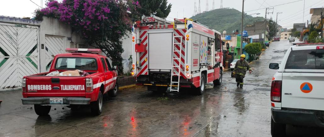 Se realiza un monitoreo permanente de las condiciones meteorológicas para ubicar las zonas con posible precipitación intensa, con el fin de que bomberos y protección civil se desplacen a esos puntos de manera anticipada